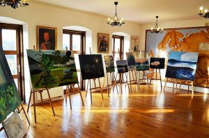 Galeria Wystawa prac malarskich Sylwii Górak w Muzeum Ziemi Leżajskiej